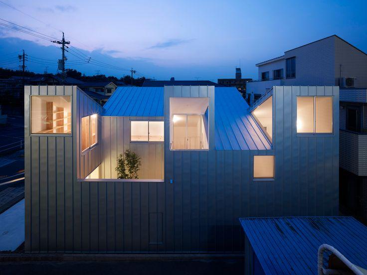Wohnhaus in Nagoya - Geneigtes Dach - Wohnen - baunetzwissen.de