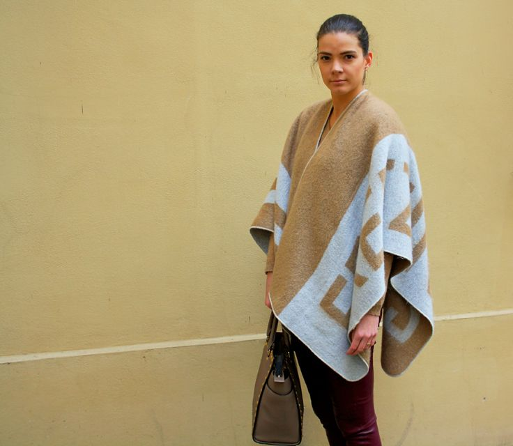 Zara poncho bloggers outfit