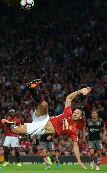 Manchester United's Swedish striker Zlatan Ibrahimovic fails to score with this…