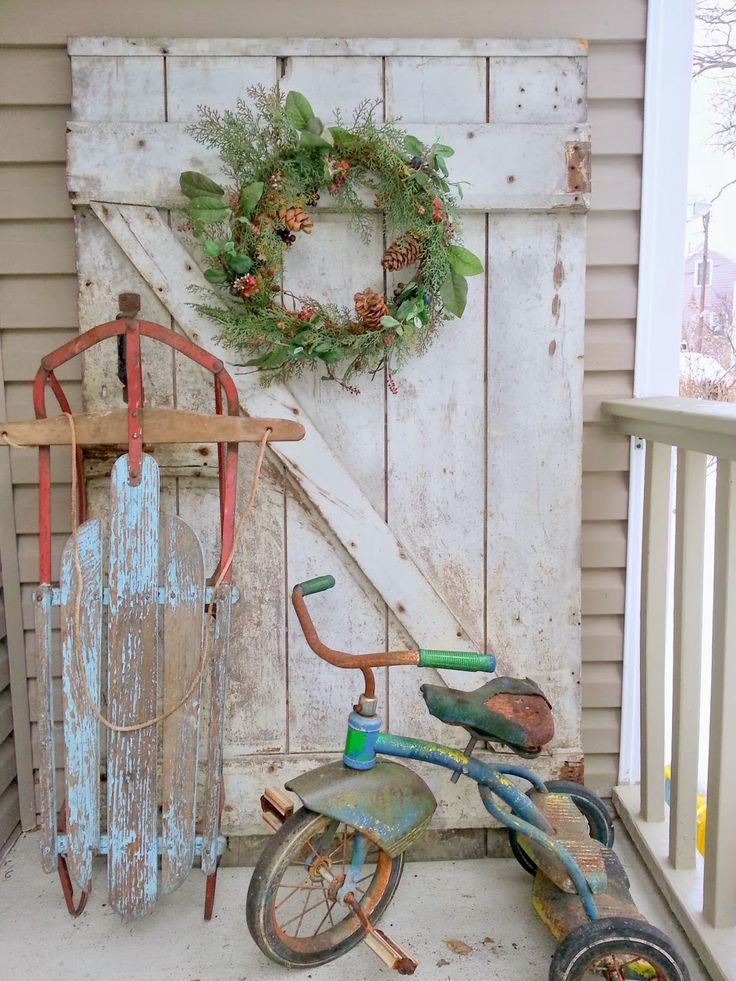 must love junk: what a fun porch - love the tricycle!
