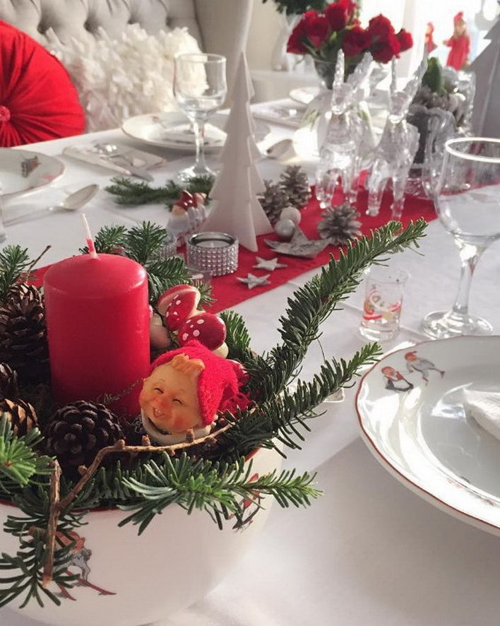 78 images about christmas table decorations on pinterest for Contemporary table centerpiece ideas