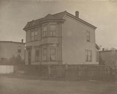 Possibly 6026 or 6042 Willow Street, Halifax  - circa 1905