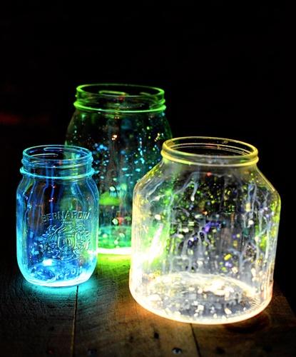 Glow Stick Glow Jars (read directions and exercise caution): Diy Glow, Glowstick, Idea, Dark Jars, Glow Jars, Outdoor Parties, Mason Jars, Summer Night, Glow Sticks Jars