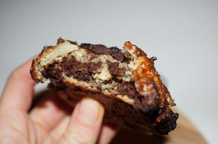 Lækre luftige gluten- og sukkerfri chokoladeboller med hytteost, HUSK, chiafrø og mandelmel