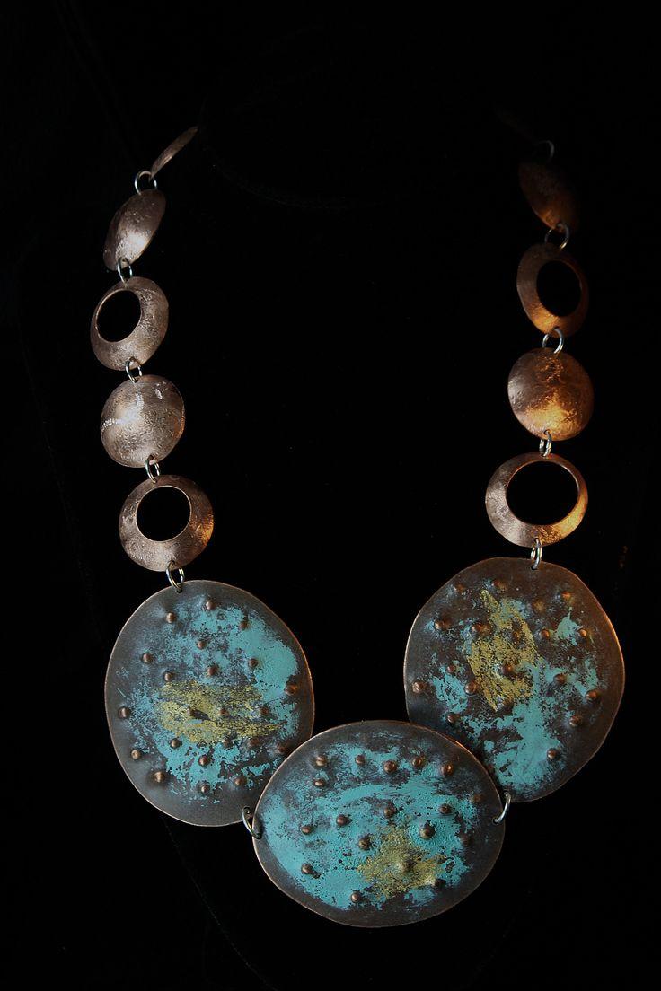 """Collar de cobre patinado con aplicaciones de oro. Pertenece a la colección """"ORIGEN"""" BY VICTORIA ALONSO . www.victorialonso.com"""
