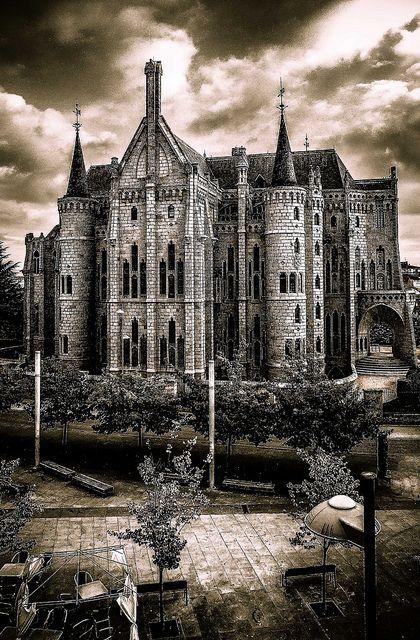 The Episcopal Palace of Astorga. 1889-1913. Astorga, Spain. Antoni Gaudí