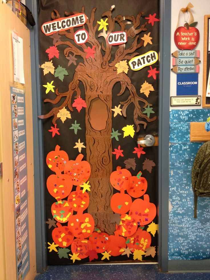 autumn door decorations | Fall door at school | Door Decorations