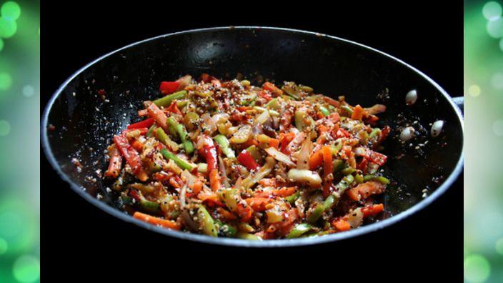 Studio 5 - Basic Wok Stir-fry and Tomato Basil Soup