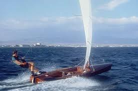 Contender sailing dinghy in wood veneer