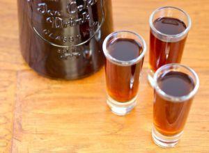 La Mistela, una tradicional bebida que nos acompaña desde épocas coloniales.