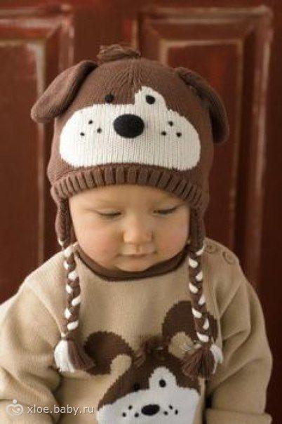 """Я давно любуюсь этим комплектом. Именно это нежное сочетание белого, бежевого и песочного цветов делает его привлекательным. И вот, как говорится у вязальщиц, сама """"сняла"""" рисунок, так как в Интернете его не нашла.   Готова связать эту модель - или шапочку, или весь комплект, для того, кому она понравится. Кстати сказать, свитерок можно заменить чем-то другим, например, теплыми ползунками."""