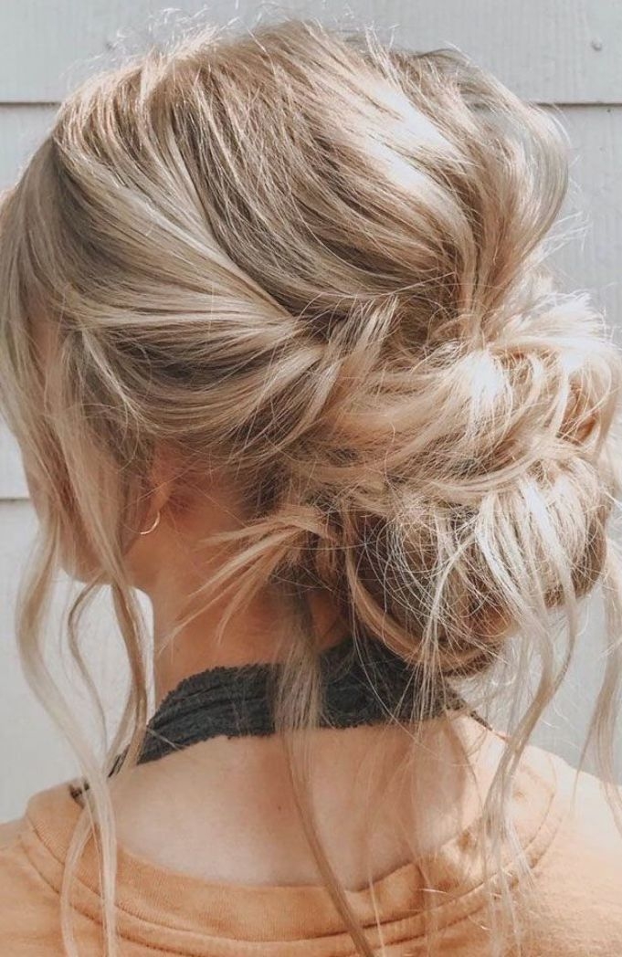 44 Romantic Messy Updo Hairstyles For Medium Length To Long Hair Messy Updo Hairstyle For Elega In 2020 Messy Hairstyles Medium Length Hair Styles Medium Hair Styles