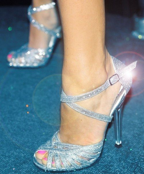 how to clean glitter high heels