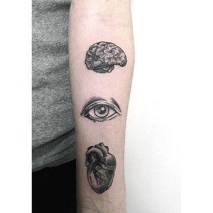 Partes vitales del cuerpo | 50 tatuajes hechos con puntos que son realmente impresionantes