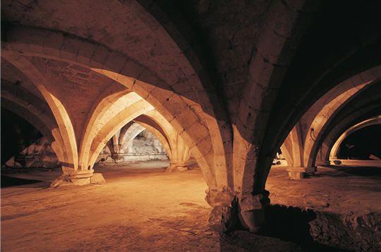 Le cellier du collège des Bernardins, 75 ms, cave du moyen âge