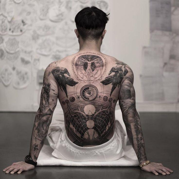 Die 30 besten Rücken Tattoos 2020 | Tätowierungen