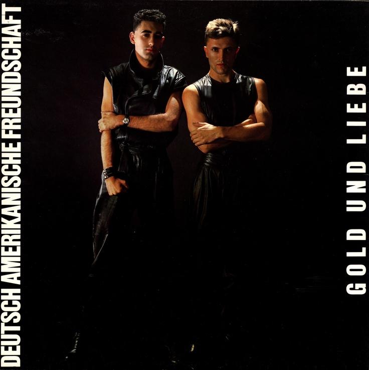 Deutsch Amerikanische Freundschaft - Gold Und Liebe, 1981: http://www.youtube.com/watch?v=KjqrnUBdLqY