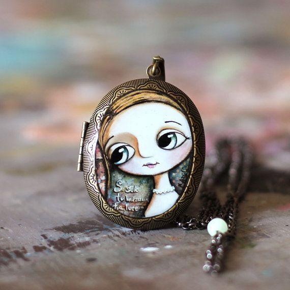 Collana medaglione, bambina occhi grandi, arte by Margherita Arrighi