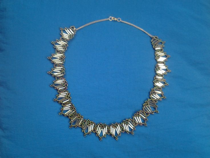 hearts netted necklace