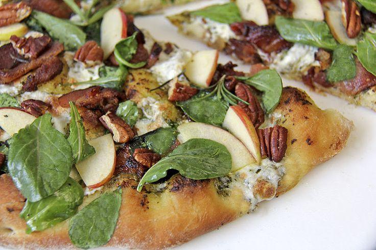 Pesto & Applewood Bacon w/ Arugula-Apple Salad - thecafesucrefarine.com