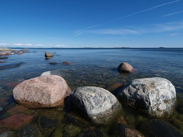 Rocky shore of Jungfruskär #Finland #archipelago