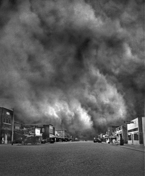 Dust Bowl storm they called Black Sunday in Kansas