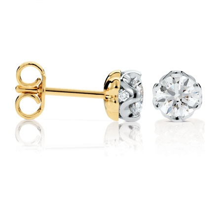 Saachi Diamond Stud Earrings - available in a variety of sizes - Timeless and Classical - perfect for a gift for the Bride for her wedding day!!