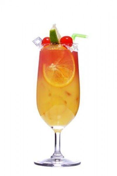 De hete zomermaanden zijn in aantocht en wij zijn op zoek naar verfrissing. Een ijskoude cocktail is de ideale dorstlesser na een dagje zweten en zwoegen. De brandende zon en alcohol zijn helaas niet de beste vrienden, maar alcoholvrije cocktails zijn ook best lekker. Een selectie van onze 5 favoriete recepten.