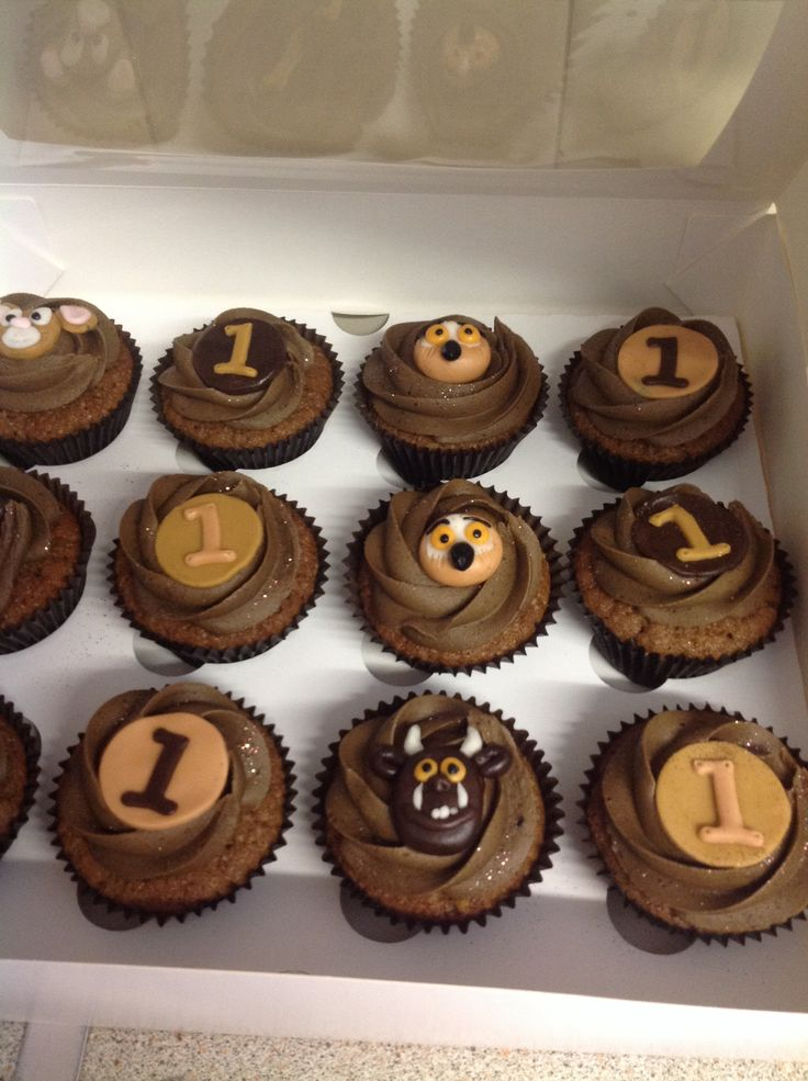 Gruffalo cupcakes for party guests www.cupcakeyourself.co.uk