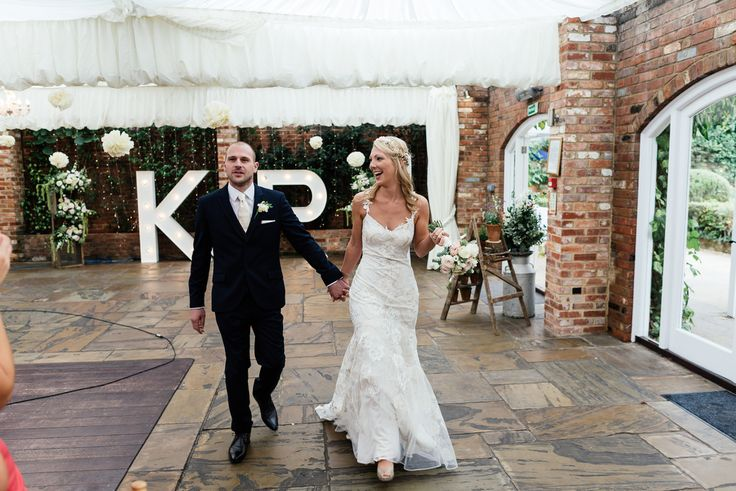 Wedding Photography - Northbrook Park - Surrey - Photography by Stephen Bunn, flowers and floral styling by Eden Blooms Florist