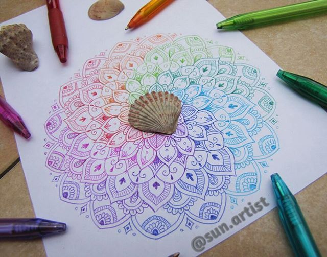 WEBSTA @ sun.artist - Rainbow mandala made with PaperMate pens :)•• |Not drawn by me, another pinterest user. But I love the design and the colors and I would LOVE to try the pens if I could afford them!|