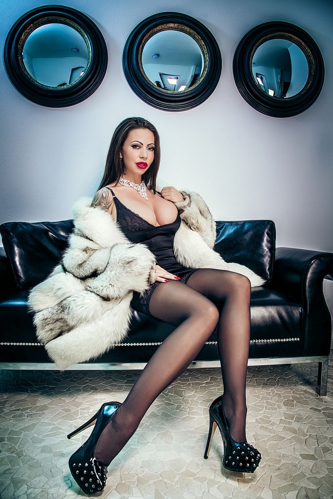 Kate domina lady The incredible