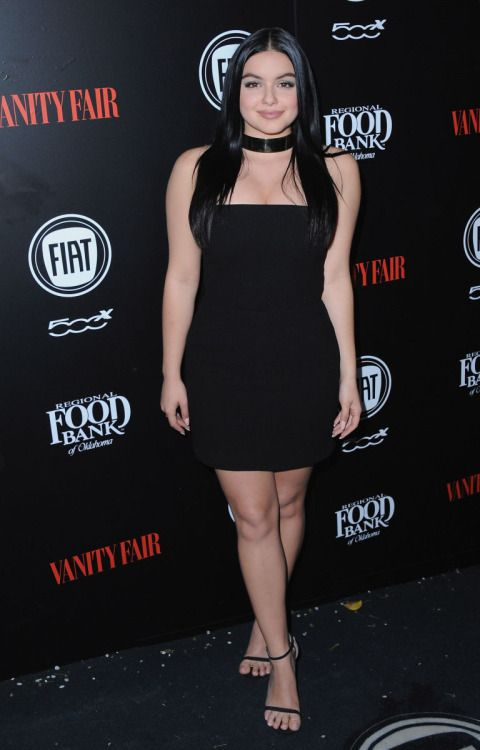 Ariel Winter puts on a very leggy display in skimpy denim shorts... #ArielWinter: Ariel Winter puts on a very leggy display… #ArielWinter