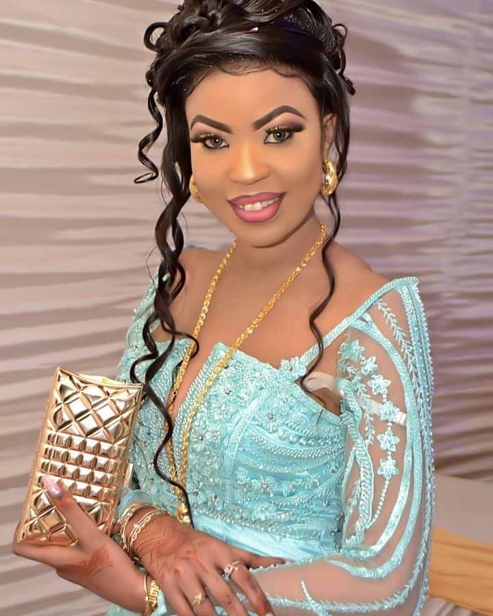 Rx Menage Pour Passer Votre Commande Sur Sagnse Senegal Envoyez Le Modele Que Vous Souhaitez Commander Su African Fashion Dresses African Clothing Fashion