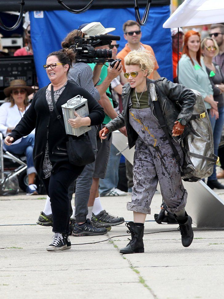 Pin for Later: See Melissa McCarthy Decked Out in the Ghostbusters Uniform on the Set!  Melissa McCarthy and Kate McKinnon rock some new styles.