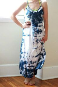 DIY Tie Dye Projects and Crafts - Anthropology Inspired Tie-Dye Dress - Cool Tie Dye Ideas for Shirts, Socks, Paint, Sheets, Sharpie, Food and Recipes, Bags, Tshirt and Shoes - Fun Projects and Gifts for Adults, Teens and Teenagers http://diyprojectsforteens.com/diy-tie-dye-ideas