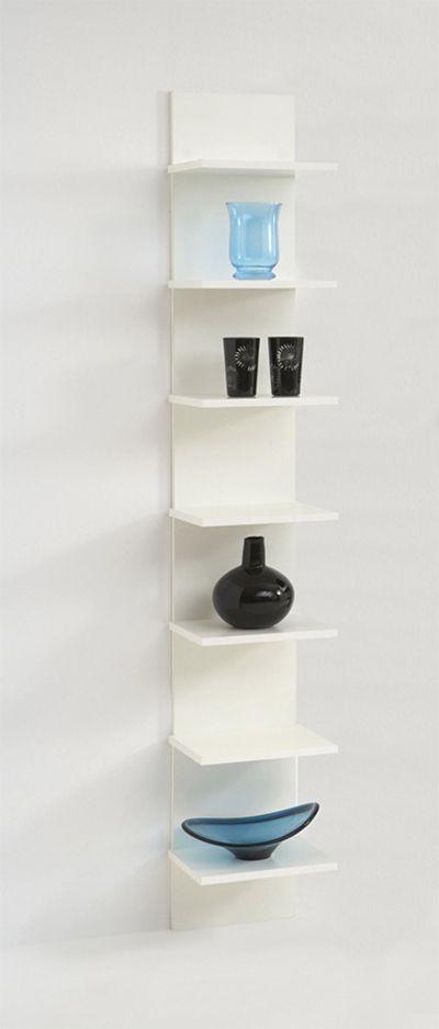 Cette belle étagère murale design blanc laqué est un modèle de ...