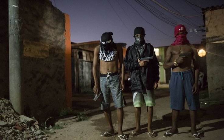 La mayor organización criminal de Brasil lanza una 'ofensiva empresarial' en Río de Janeiro - http://www.notiexpresscolor.com/2016/12/23/la-mayor-organizacion-criminal-de-brasil-lanza-una-ofensiva-empresarial-en-rio-de-janeiro/