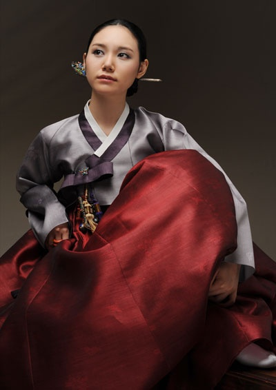 Korean traditional dress (hanbok) by Damhan