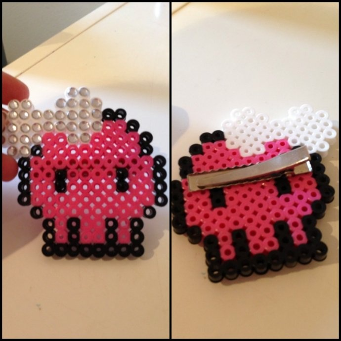 Skull Perler Hair Clip by princessk - Kandi Photos on Kandi Patterns