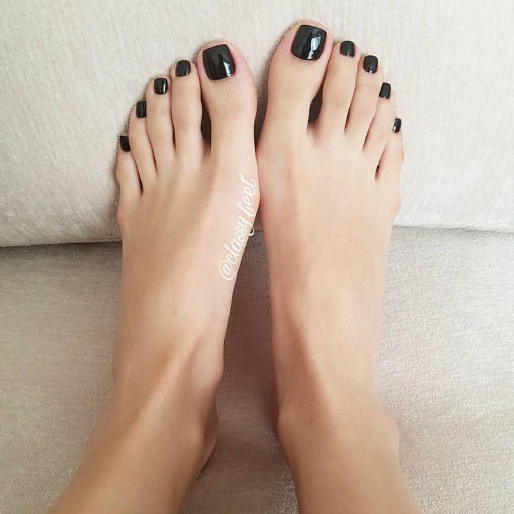 Soft beautiful black feet — img 9