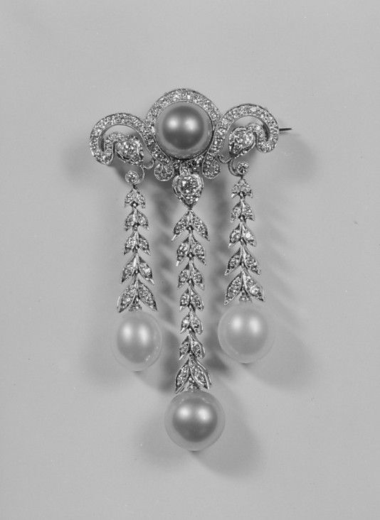 Diamond, pearl and platinum brooch, probably by Tiffany & Co., ca 1910.