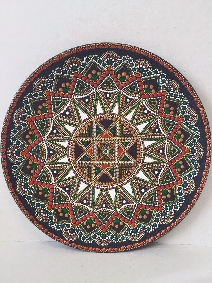 Decorative plate, point-to-point. Декоративна тарелка.