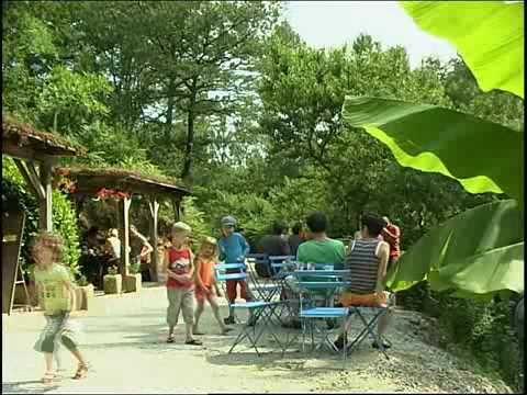 Camping Moulin de Liort, camping aan beek in zuid-frankrijk met ruimte,schaduw en rust. Heerlijk voor kinderen en om te wandelen.