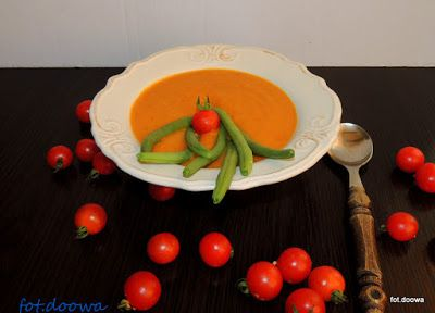 Moje Małe Czarowanie: Zupa dyniowo - pomidorowa z fasolką szparagową