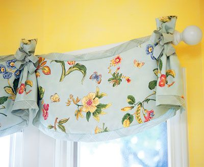 An example of a traditional valance