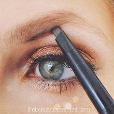 Brows frame the eyes while big brows really bring all of the attention to them! Click through to learn how!