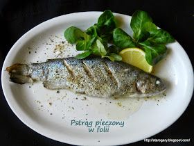 Bardzo delikatna i ziołowa ryba. Nie wymaga wielu przygotowań, piecze się szybko. Mój pstrąg był malutki - to porcja dla jednej, średnio gł...
