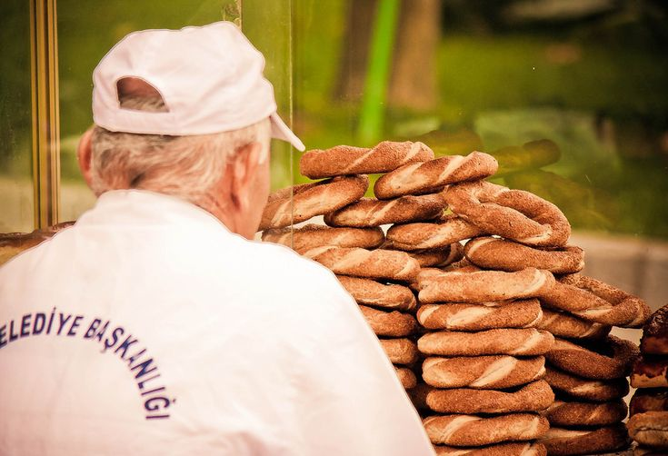 And the simit carts. | 42 Ways Istanbul Is So Beautiful It Actually Hurts