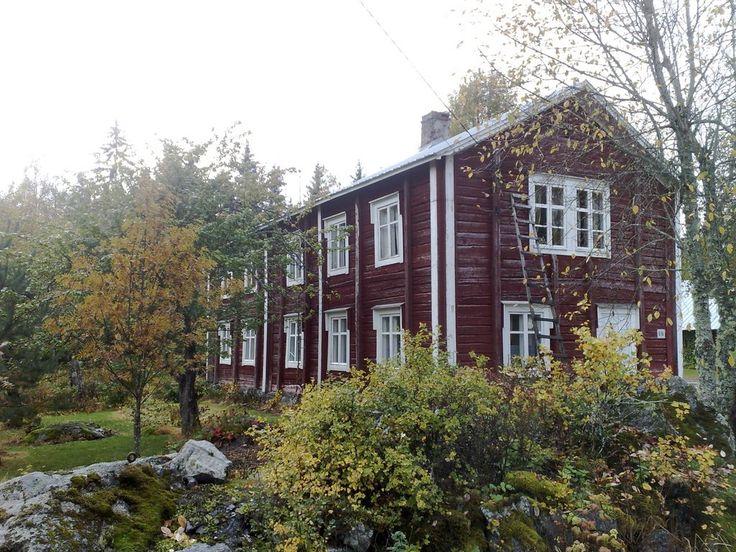 """""""Kaks´fooninkine"""" pohjalaistalo. rak.v.1893. Ylistaro, South Ostrobothnia province of Western Finland. - Etelä-Pohjanmaa."""